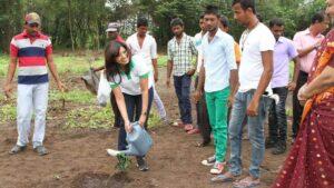 DG-Gowri_tree-planting